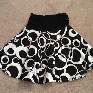 Maurice's Black & White Circle Skirt Small